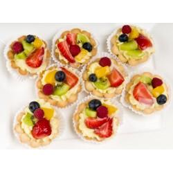 Babeczka z kremem i owocami