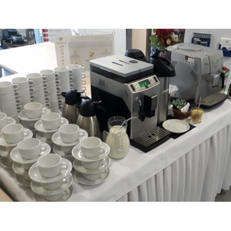 Kawa z ekspresu z dodatkami